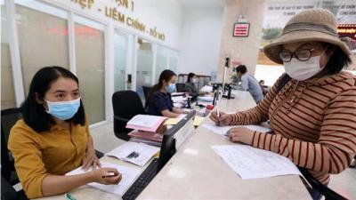Nên miễn, giảm thuế thu nhập cá nhân cho người lao động